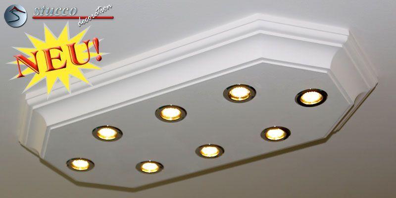 Die LED Deckenlampe Trier 14/1000x500-2 mit Stuck und LED Spotlampen erhalten Sie fertig zusammengebaut mit der dazugehörenden Elektrik.