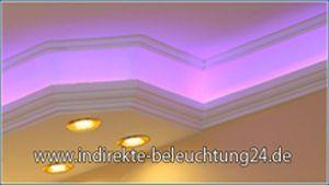 Indirekte Beleuchtung mit RGB LEDs und direkte Beleuchtung mit warmweißen LED Spots