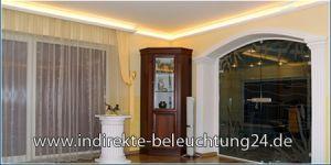 Indirekte Beleuchtung warmweiße LED Strips